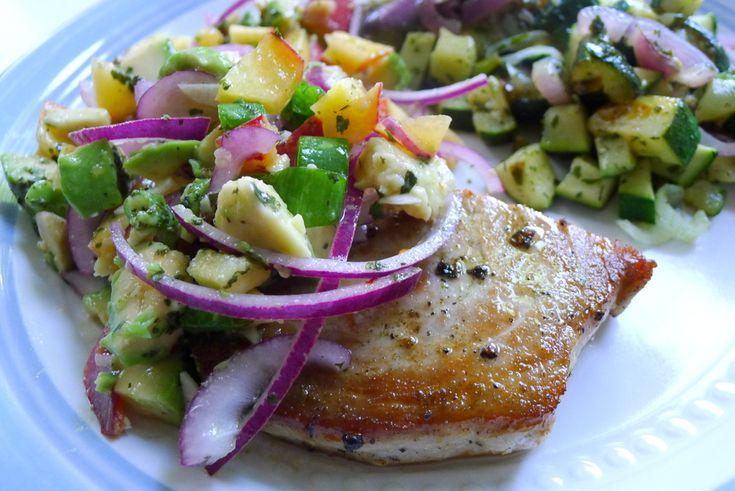 Tonijn met perzik avocado salsa recept ~ lekker, makkelijk, koolhydraatarm ~ www.con-serveert.nl