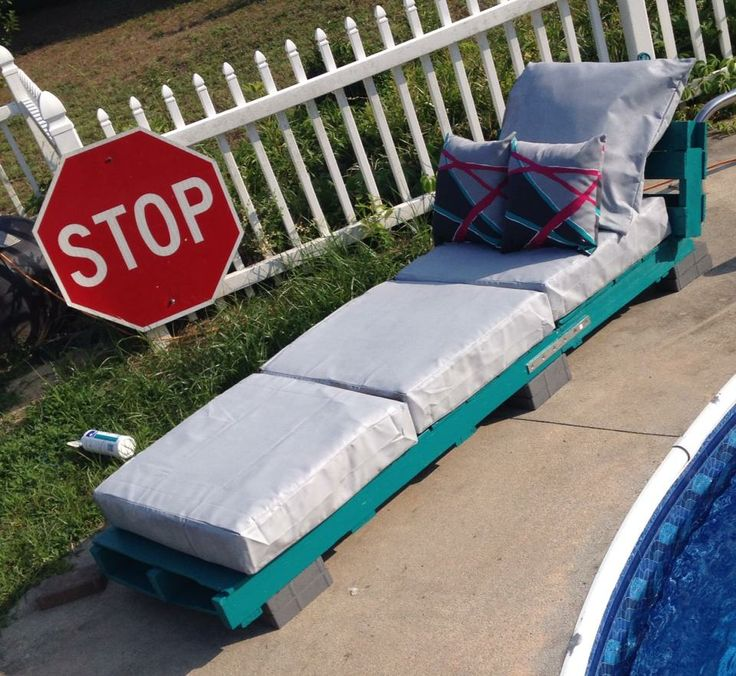 painted pallet furniture. lounge chair made from pallets cushions painted with exterior house paint pallet furniture