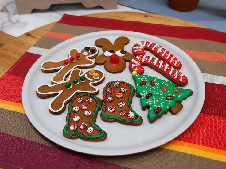 Gingerbread Cookies recipe from Duff Goldman via Food Network -gotta remember to write this recipe down. I loved it!