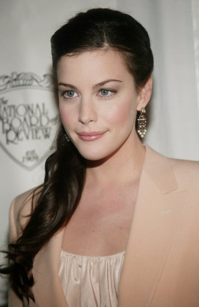 Liv Tyler Photos - National Board Of Review Annual Gala Arrivals - Zimbio