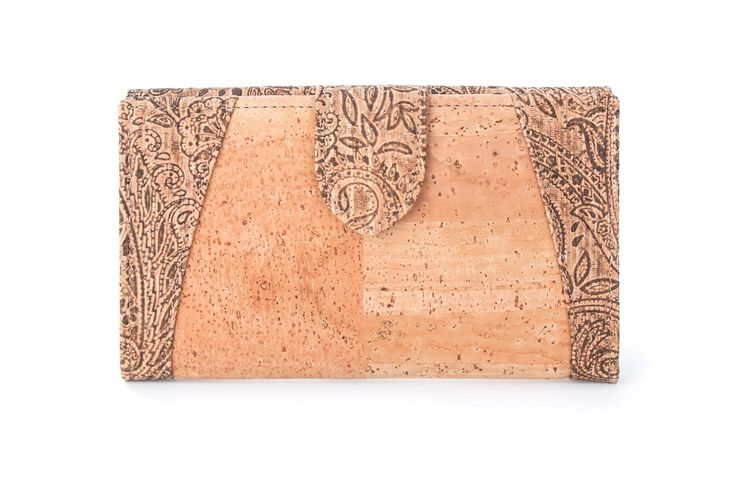 #Wallet QUEIROZ made of silky smooth #cork #leather | 100% #sustainable and #vegan | CHF 151.00 | free delivery & return within Switzerland