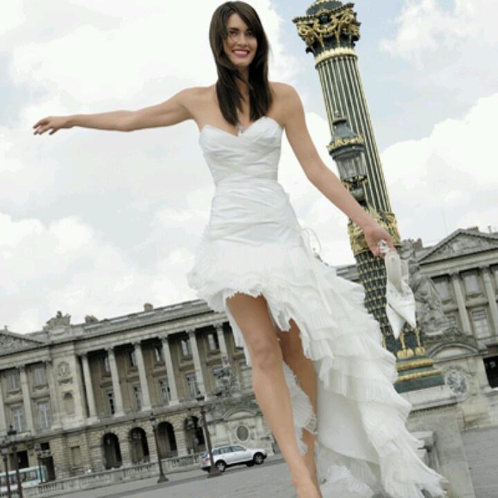 Tail Short Wedding Dress/ Vestido de Novia Corto con Cola