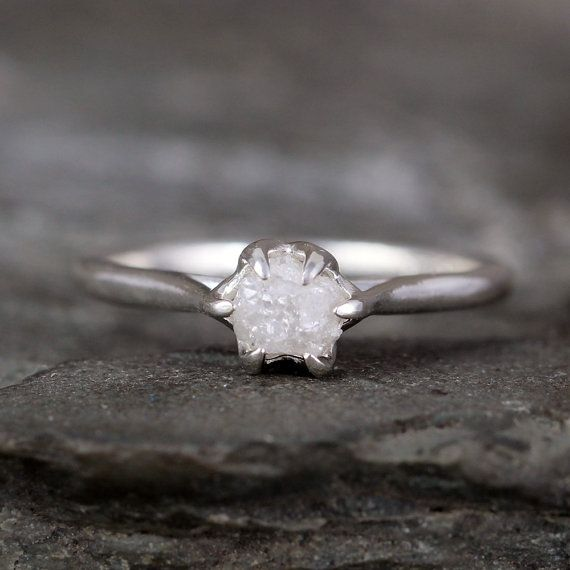 Ruwe diamanten verlovingsring Basket Weave van ASecondTime op Etsy