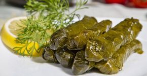 Dolmas, feuilles de vignes farcies, recette grecque