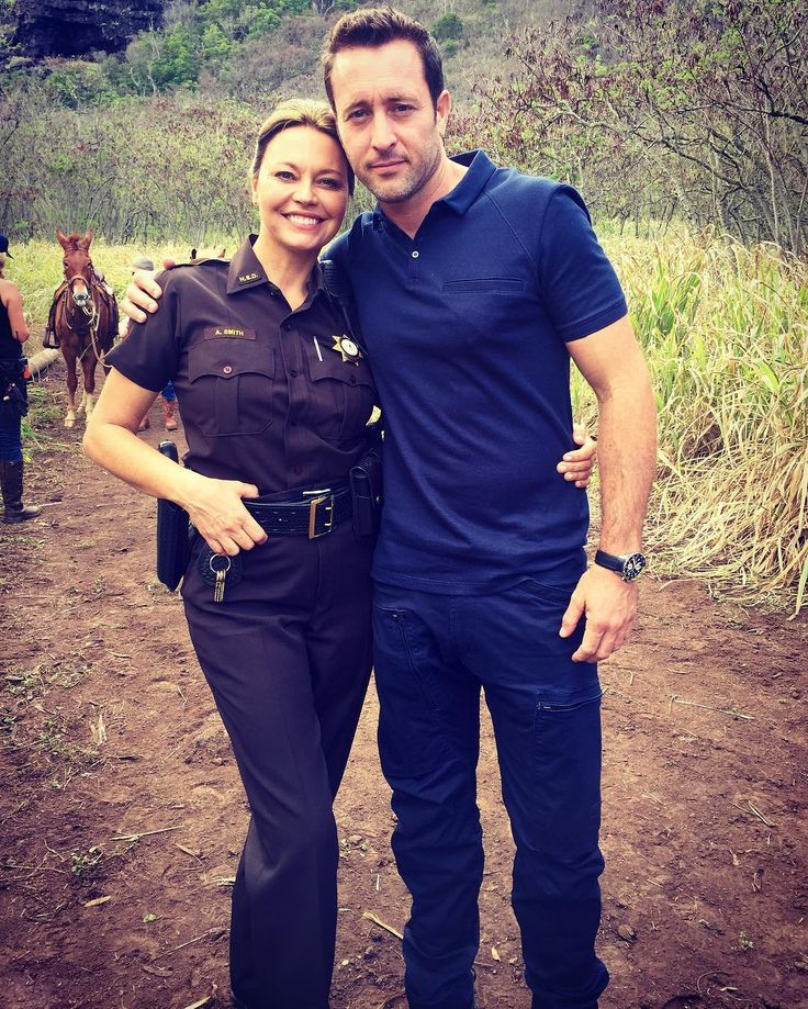 Day 2 on set of Hawaii-5-O🌴🌺 with the talented and handsome star Alex O'Laughlin . Sheriff duties can be sooo tough sometimes! 😂🔫🌅🌴 #hawaii50 #stevemcgarrett #lifeofanartist #lifeofanactor #hawaii #oahu #sheriff #followyourdreams ♥♥♥