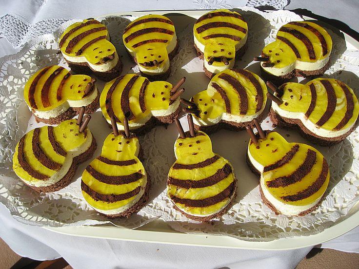 Biene Maja-Törtchen, ein sehr schönes Rezept aus der Kategorie Backen. Bewertungen: 2. Durchschnitt: Ø 2,8.