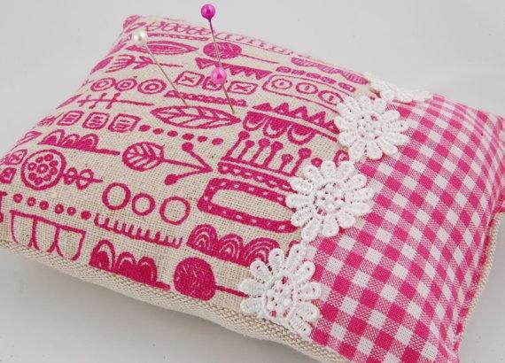 Pin Cushion - Fushia Pink Scandanavian Print - Folksy: Pin Cushions, Art, Pink Scandanavian, Art Ideas, Sewing Fabric Projects, Fuchsia Pink, Scandanavian Print, 7 50 Pin