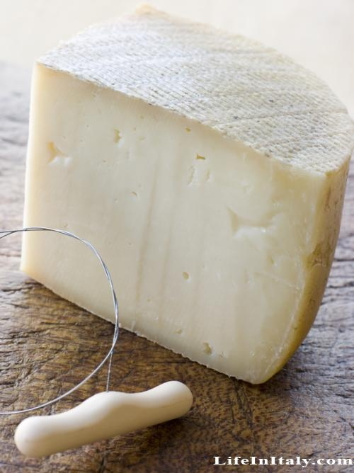 Pecorino cheese, Sardinia
