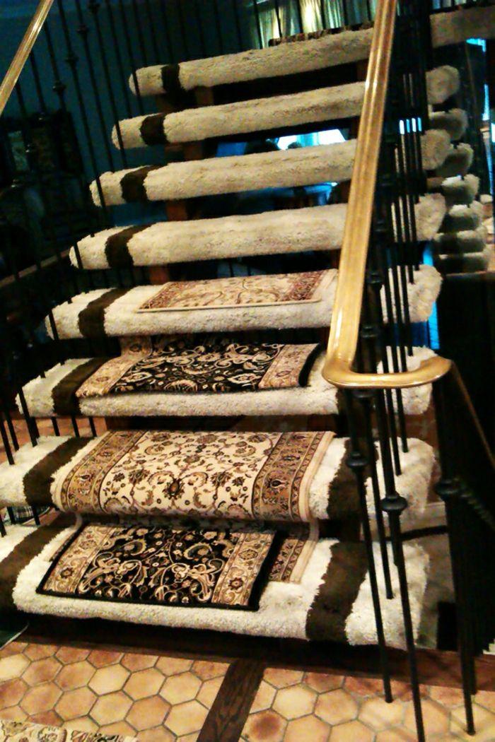 Le Tapis Pour Escalier En 52 Photos Inspirantes Tapis Escalier Tapis De Marche Escalier