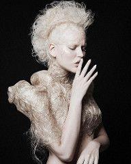 Yeah! Zwei Mal beim German Hairdressing Award gewonnen!  Photo: @heks_one Hair: @nadinschneidereit Make-Up: @makeupbyjanine zwing @maccosmetics Styling: @paula_kunkel #model #muse #girl #beauty #beautiful #hair #hairstyle #haircut #haircolor #hairhairh