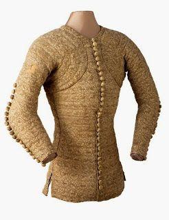 Gibão de Charles de Blois, século XIV- é possível observar como o gibão era extremamente justo ao corpo, quase de forma anatómica.
