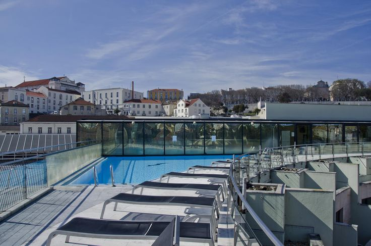 Apresentando um bar no terraço com vistas panorâmicas sobre Lisboa, o VIP Executive Eden Aparthotel desfruta de uma localização central na Baixa Pombalina,...