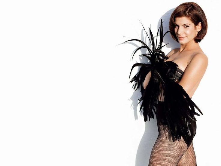 Sandra Bullock Biography And Photos