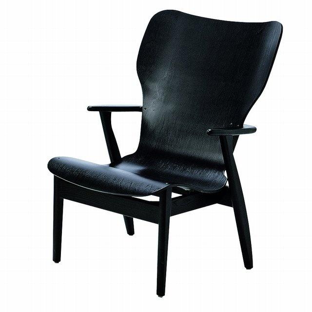 Domus Lounge Chair, designed by Ilmari Tapiovaara. Manufactured by Artek.