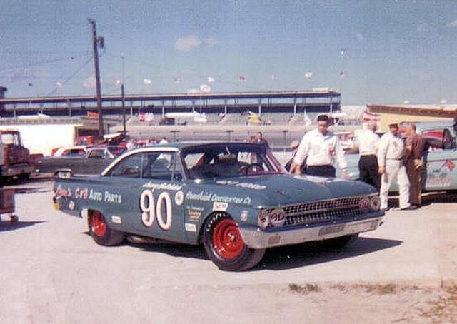 1965 Modified-Sportsman race - Sonny Hutchins drove Junie Donlavey's '61 Ford to a 5th place finish...