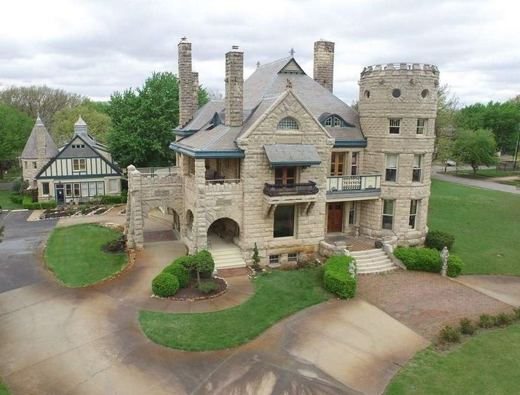 Campbell castle was built by cattle baron colonel burton for Home builders wichita ks