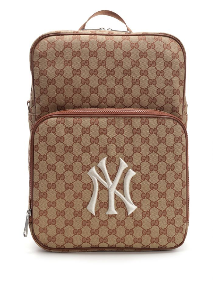 9452cd394b3b19 GUCCI Medium backpack with New York Yankees™ patch. #gucci #bags #linen  #lining #canvas #backpacks #cotton