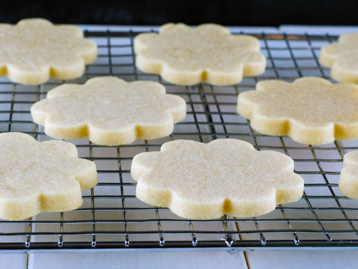 Roll-Out Sugar Cookie Recipe - Recipe that (supposedly) doesn't lose it's shape or spread out as it bakes.