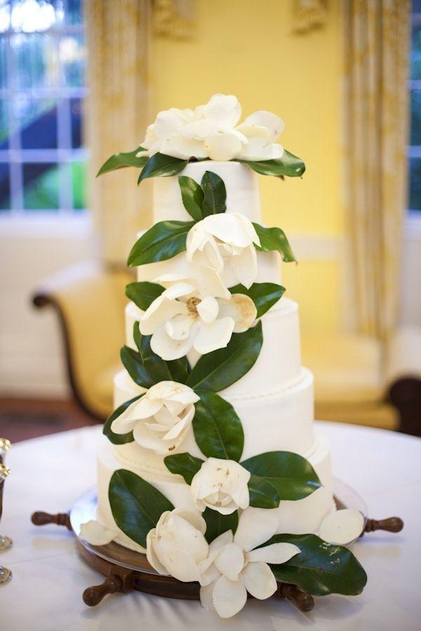 magnolia flower wedding cake