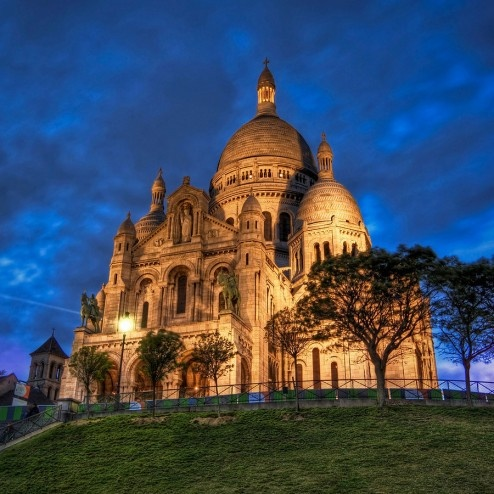 Sacred Heart of Paris,by Trey Ratcliff.