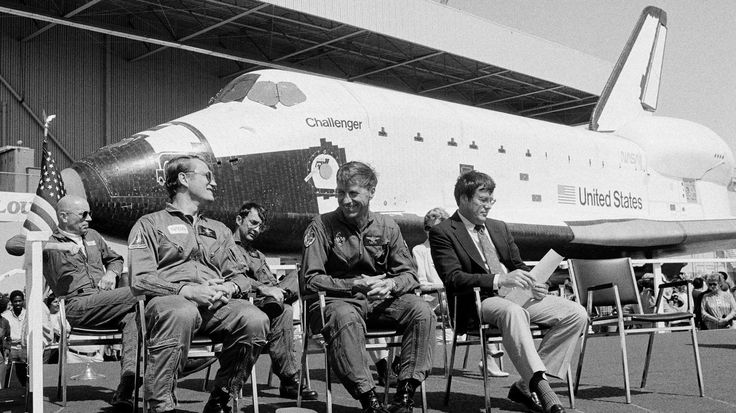 Paul Weitz, commander of space shuttle Challenger's first flight, dies at 85 - LA Times