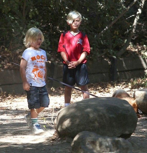 Kingston and Zuma Rossdale on a hike with their nanny (September 7, 2013)
