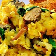 Matzo Brei (via www.foodily.com/r/UXYWogLi4)
