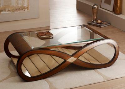 La table basse Maintenon... Aussi raffinée que celle dont elle tire le nom.