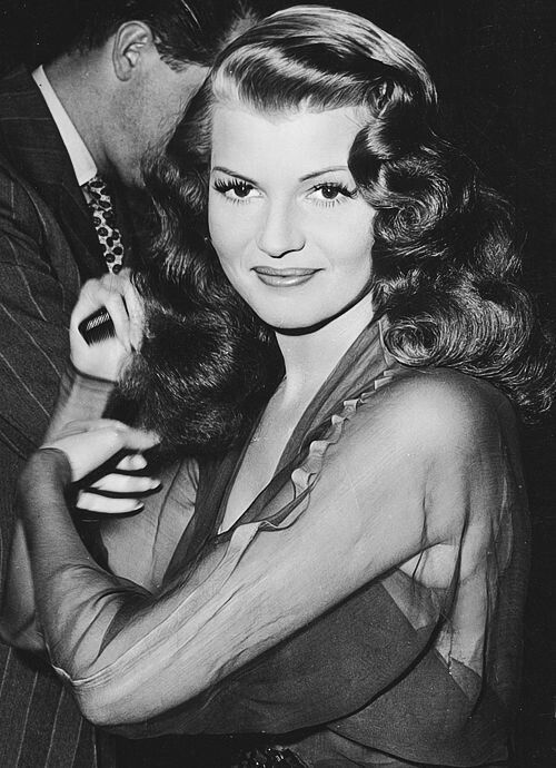 Vintage glamour from Rita Hayworth #womensfashionvintageglamour