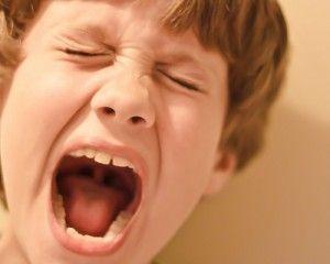 Gérer la violence d'un enfant sans s'énerver (avec un exemple concret !)
