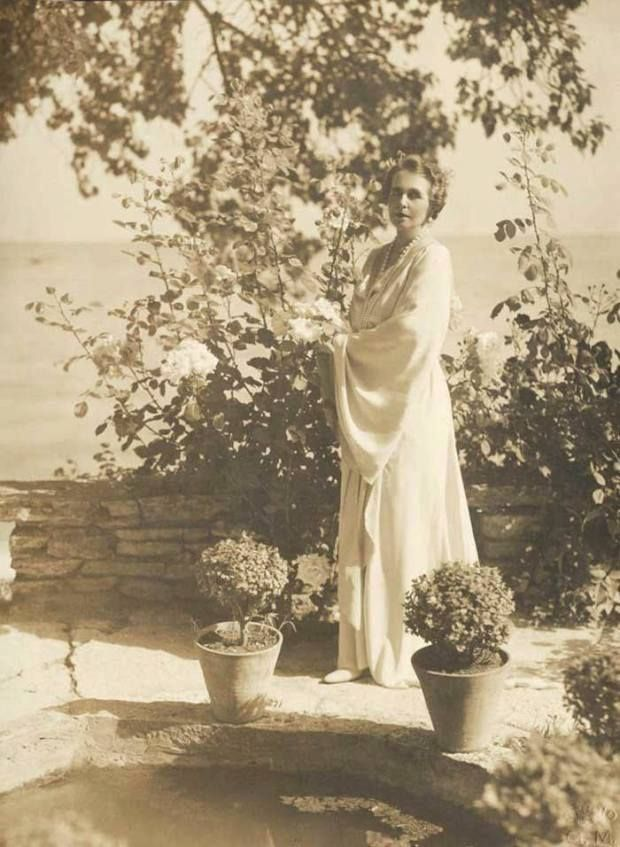 HM Queen Maria of Romania at her castle in Balcic (nowdays in Bulgaria), in 1926. ROMANIANS ASK FOR THEIR MONARCHY BACK! https://www.facebook.com/anrmro