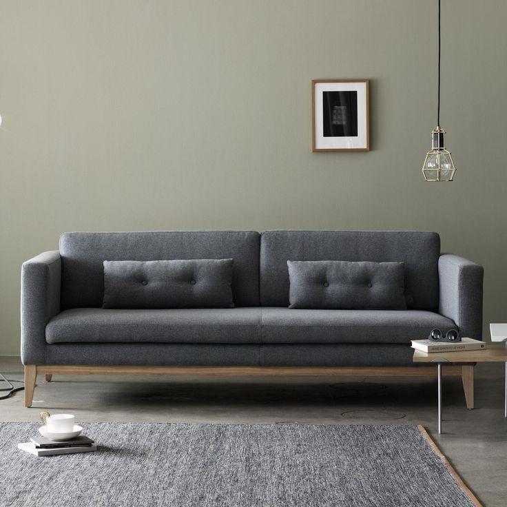 Das Charaktervoll Skandinavische Sofa Day Berzeugt Durch Die Klare Sachliche Form Wobei Sich Der ChefDesigner Von Design House Stockholm Bei