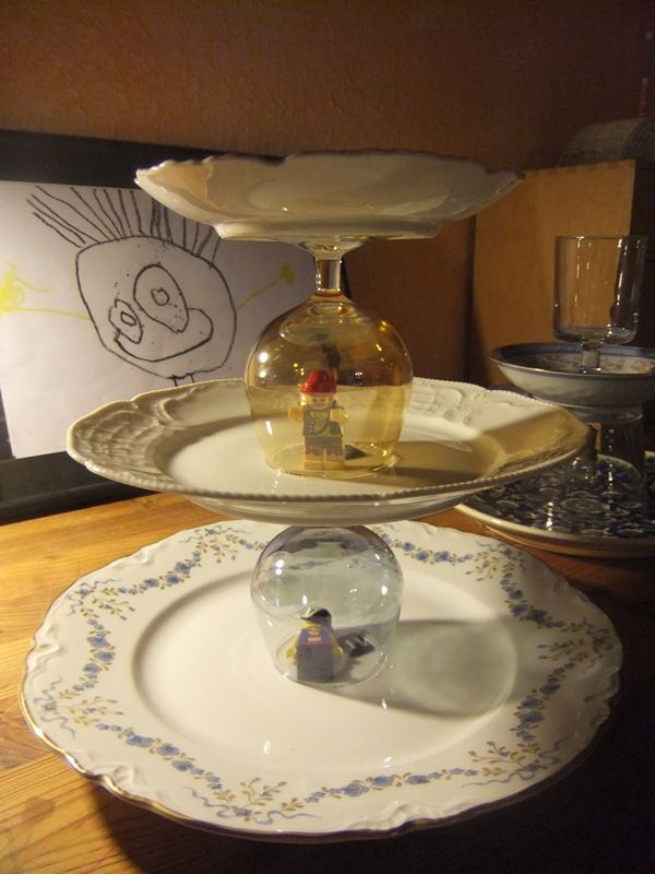 The Great Cake Stand Escape & 101 best Elegant cake stands ❤ images on Pinterest | Cake plates ...
