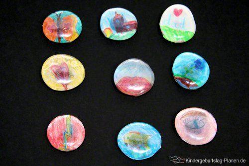 glasstein magneten mit selbst gew hlten oder gemalten motiven eine tolle bastelidee f r kinder. Black Bedroom Furniture Sets. Home Design Ideas