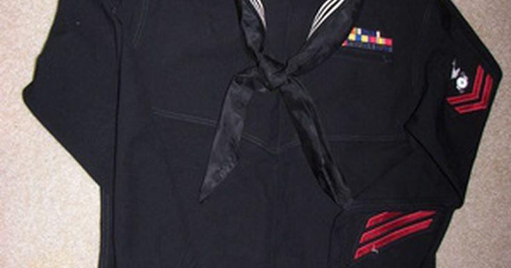 Abreviaturas de los rangos militares. Cada rama de las fuerzas armadas tiene rangos para la tropa y rangos de oficiales. Los niveles salariales que corresponden a estos rangos se abrevian como E-1 a E-9 para la tropa y O-1 a O-10 para los oficiales. La única excepción es la Marina, que tiene una O-11, para almirante de flota. También hay un grupo de oficiales y suboficiales que son ...