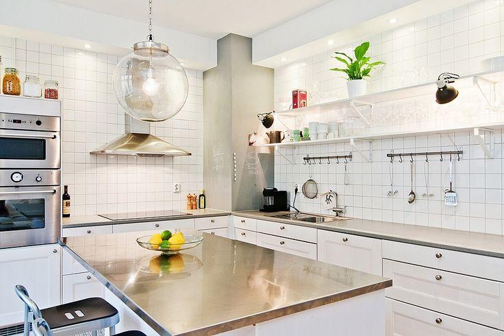 Nytt kök med bistrokänsla - LAMPAN!!