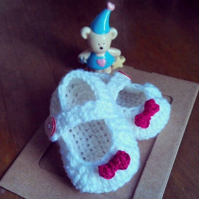 Tiny lil cute baby booties ^^