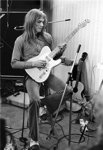 Apprenez à jouer de la guitare comme Steve Howe sur MyMusicTeacher.fr