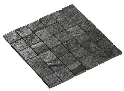 Mosaikkfliser til dusjveggene.. :)  Silver Grey Natural er en naturlig skifer i formatet 5x5. Overflaten er ujevn med variert fargestruktur i grå toner. Steinen har en høydeforskjell på +/- 5 mm tykkelse noe som vil gi det røffe utseende. For å motvirke vannopptak og misfarging av skiferen anbefaler vi å impregnere flisene. (Right price tiles)