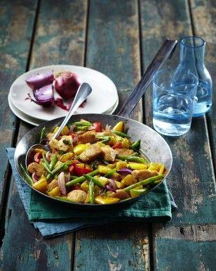 Das Rezept für Hähnchen-Kartoffel-Pfanne mit grünen Bohnen und weitere kostenlose Rezepte auf LECKER.de