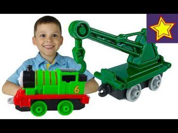 Паровозик Томас и его Друзья Перси и Кран прицеп игрушки Thomas and Friends Persy & Cargo Truck http://video-kid.com/15261-parovozik-tomas-i-ego-druzja-persi-i-kran-pricep-igrushki-thomas-and-friends-persy-cargo-truck.html  Привет, ребята! В этой серии Игорюша открывает прицеп-кран, который помогает в работе другим паровозикам. Одним из таких паровозиков стал Перси. Thomas & Friends Persy & Cargo Truck******************************************************Спасибо большое за просмотр, нашего…