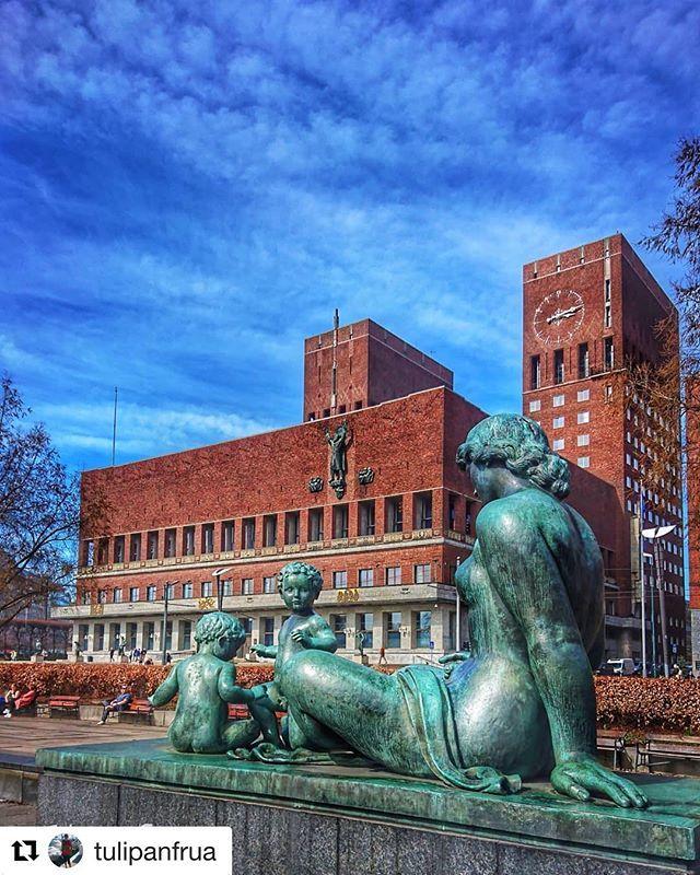 #Repost @tulipanfrua with @get_repost  Oslo rådhus (City hall) #reiseliv #reisetips
