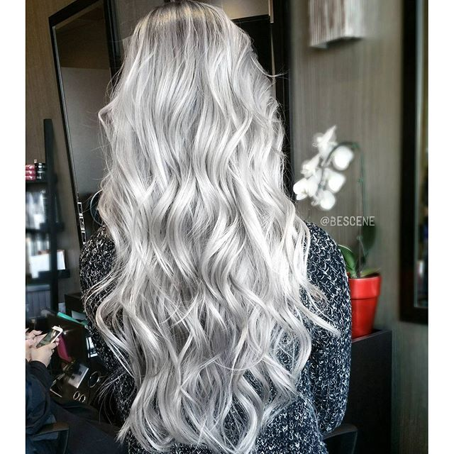 Silver hair color melting to gray hair color by Linh Phan Long hair long wavy hair www.hotonbeauty.com