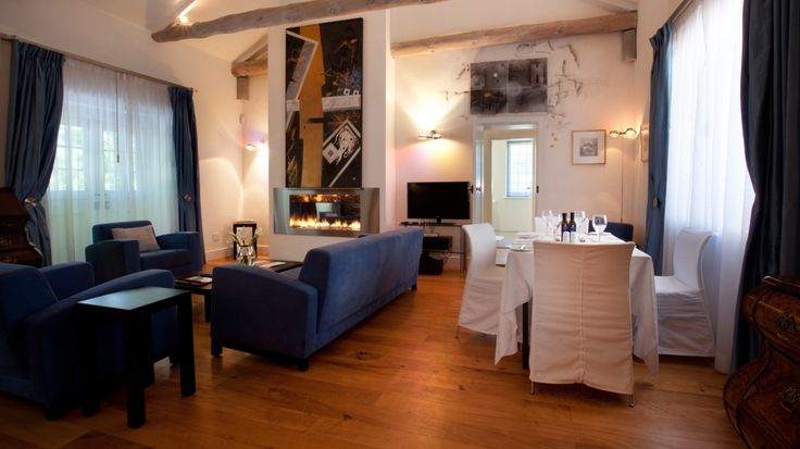 http://www.alleebleue.co.za/images/Kendall%20Cottage/Allee%20Bleue_Hospitality_07.jpg