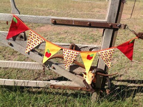 Apple Bunting by Foxys Trail. #Andable | When you buy, we share -