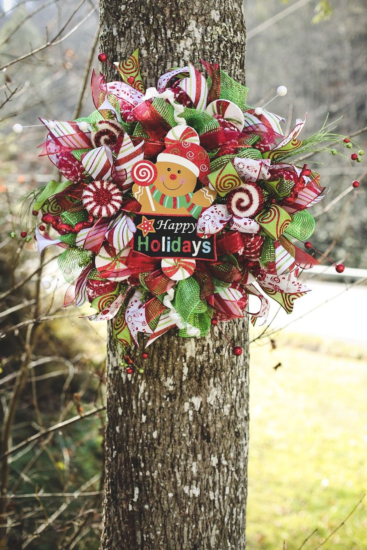 Gingerbread man and candy wreath