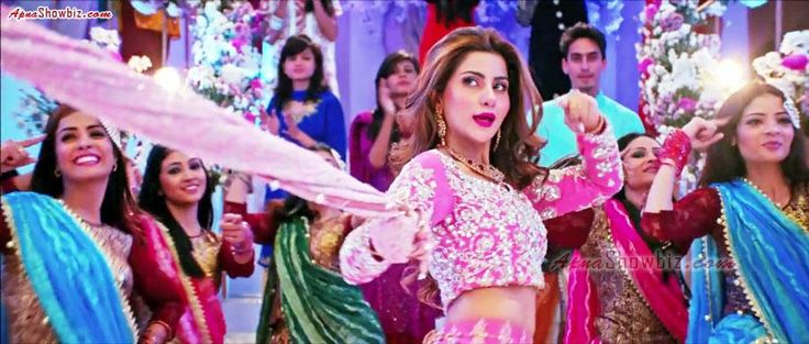 """Jalwa"" from Jawani Phir Nahi Ani - @sabroofficial is THE performer... lovely. https://www.facebook.com/ApnaShowbiz/posts/1044574318926828 …  #JPNA #SohaiAliAbro"