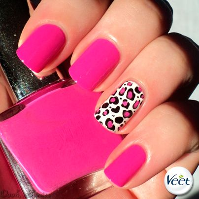 fucsia nails