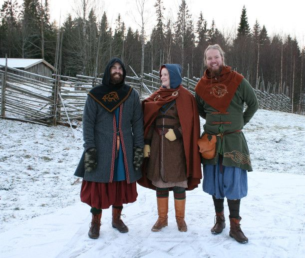 Some different examples of male Viking garb (the hoods worn have recently been dated to a later period + not sure the embroideries are 100% accurate).
