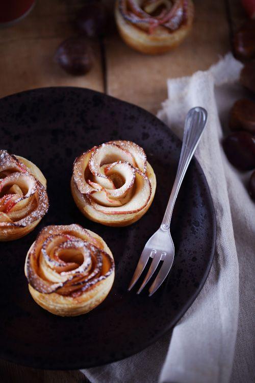 C'est une recette qui a fait le tour des blogs culinaires. Une recette simple mais qui franchement fait son petit effet. C'est une tarte aux pommes feuille